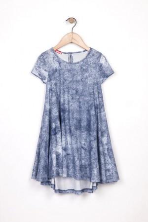 שמלה קולית ומסתובבת עם נגיעות בכחול