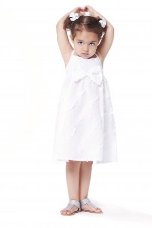 שמלת תחרה לבנה ומסתובבת לתינוקות וילדות קטנות