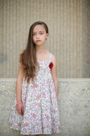 שמלה פרחונית רומנטית ומסתובבת