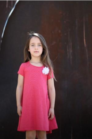 שמלה קולית ומסתובבת אדומה עם פסי סיכה לבנים