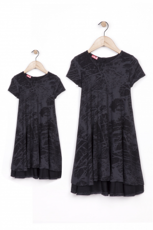 שמלה שחורה קולית ומסתובבת      mom & me        שמלות תואמות לאם ולבת